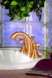 Santa Monica faucet in Polished Gold