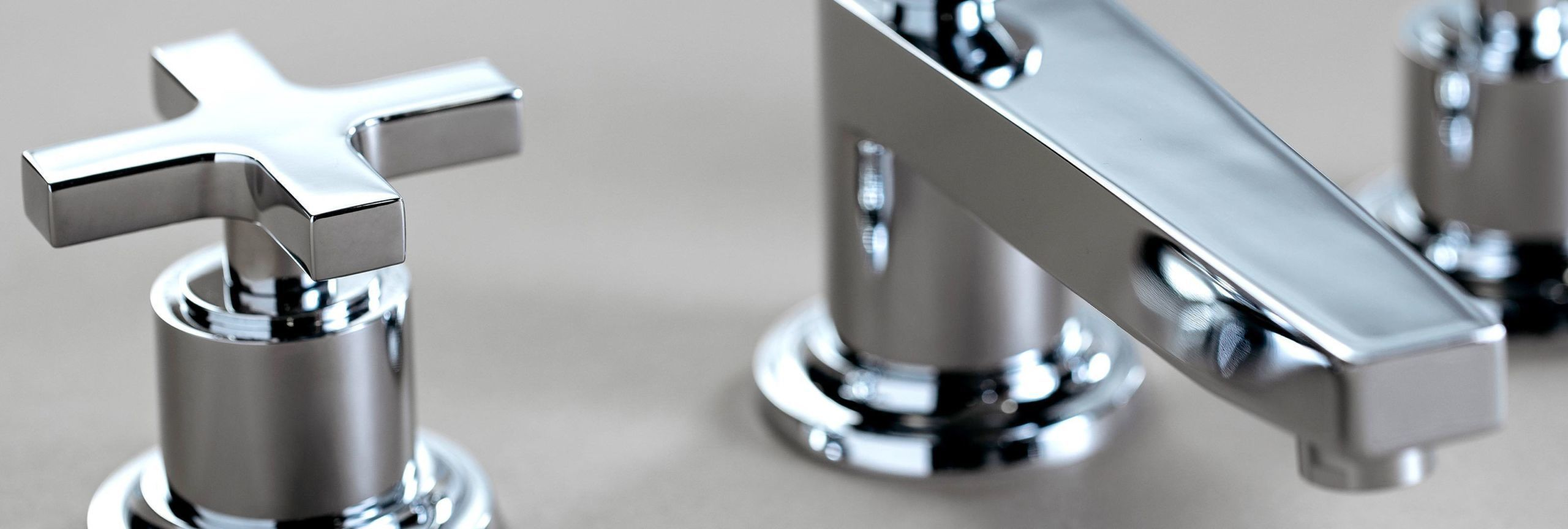 chrome finish close-up on Rincon Bay widespread faucet